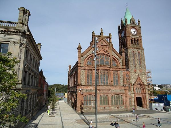 800px-Guildhall,_Derry,_August_2010