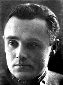 Sergey Korolev (nó Korolyov, de réir an fhuaimnithe). Fear éirimiúil a raibh cinniúint thragóideach aige, ar nós go leor eile san Aontas Sóivéadach.