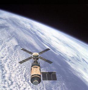Skylab, mar a chonaic an criú deireanach í agus iad ag imeacht