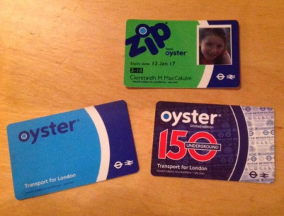Mamaidh Oyster, Dadaidh Oyster agus Bèibidh Oyster!